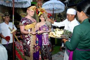 Jasa_Wedding_Organizer_di_Indonesia,_+62-31-91439578_MARKAZ_organizer
