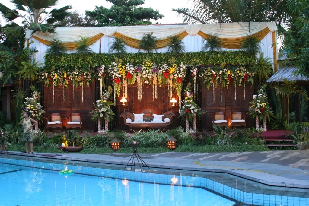 DEKORASi  WEDDiNG  Outdoor  Sederhana